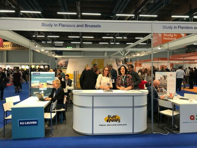 Study in Flanders exhibition stand at recruting fair.